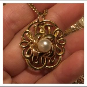 Large Vintage Pearl Gold Pendent Necklace